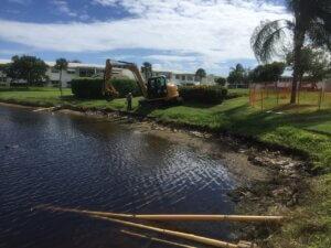 aquagenix-pond-bank-restoration-02_Pond_Bank_Restoration_During
