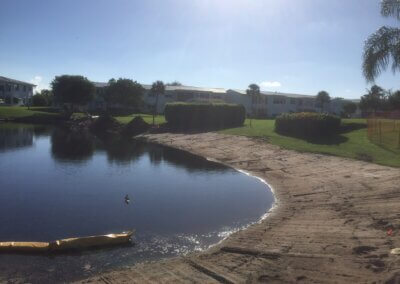 aquagenix-pond-bank-restoration-06_Pond_Bank_Restoration_Middle